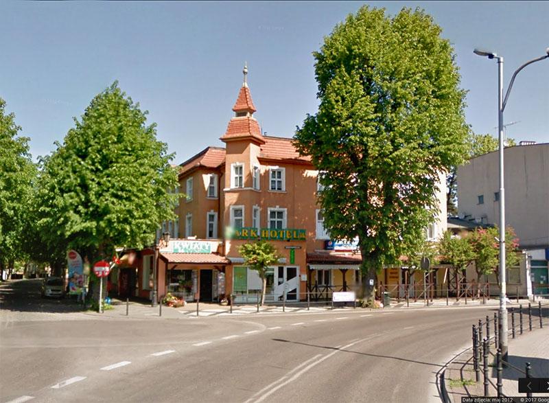 Mielno - Park Hotelik. Chrobrego 1