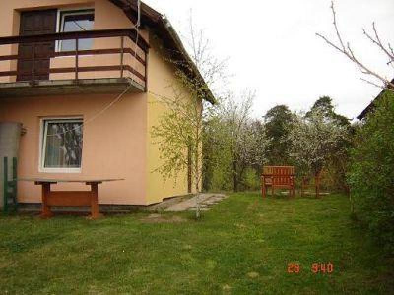 Junoszyno, Domki i apartamenty Agaton, Bursztynowa 105